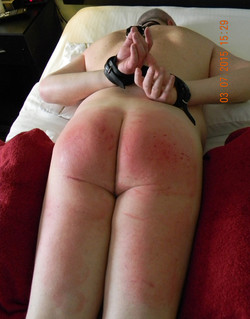 Red_Bottom_1223_300_175