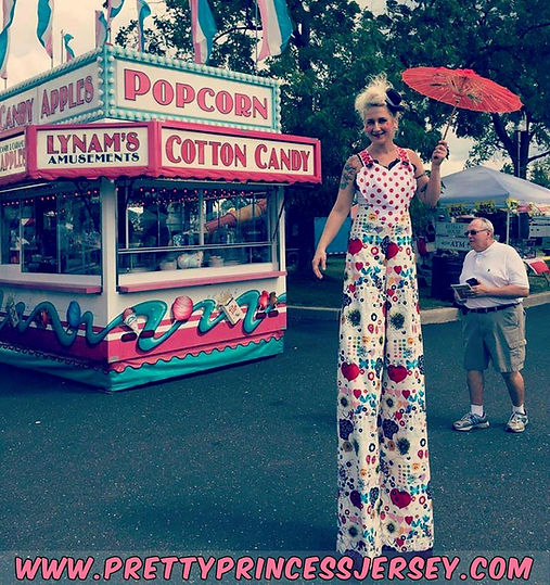 stilt walker, stilt walking, stilt entertainment, character appearance philadelphia, party entertainment, circus entertainer