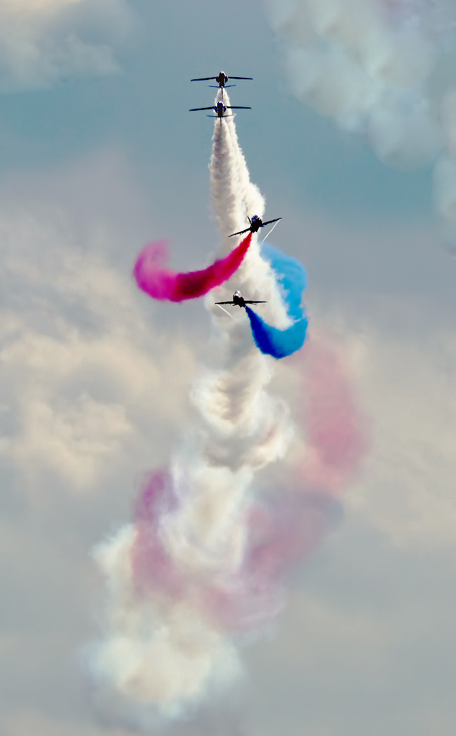 AIR DISPLAY by Dave Taylor