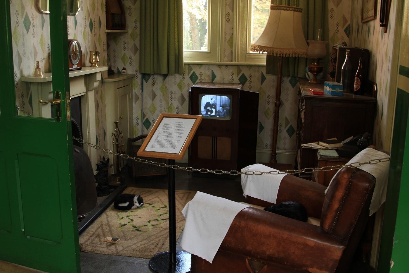 MY ROOM by maurice wells.jpg