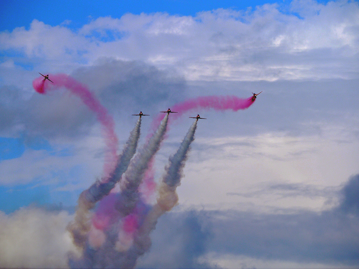 THE MULTICOLOURED RED ARROWS by Dave Taylor