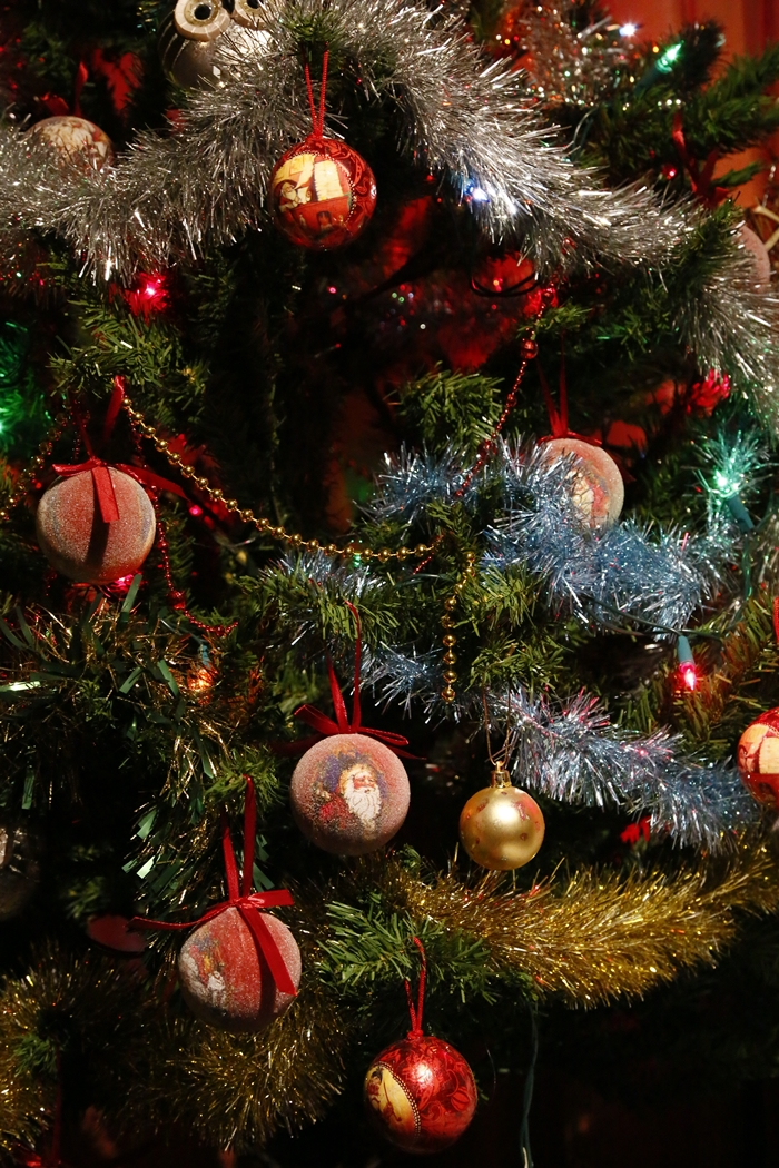 CHRISTMAS TREE by Rojer Weightman