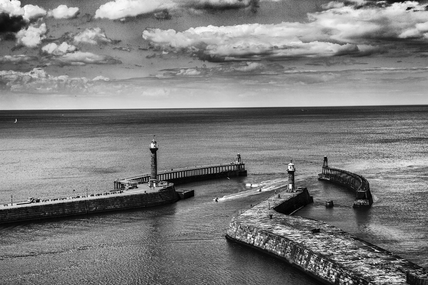 WHITBY HARBOUR ENTRANCE by Peter Morrish.jpg