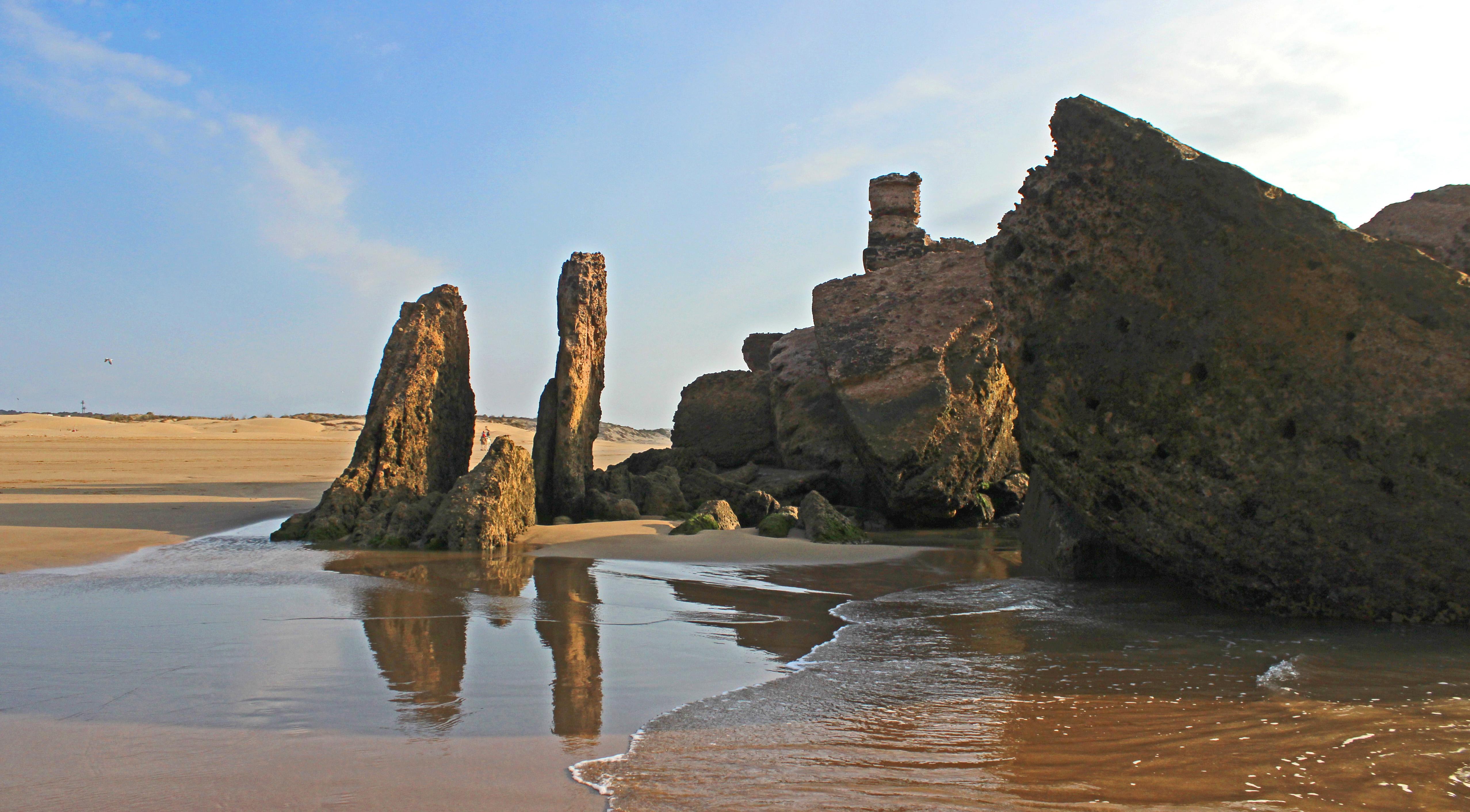 CASTLE IN THE SEA by Sue Avey..jpg