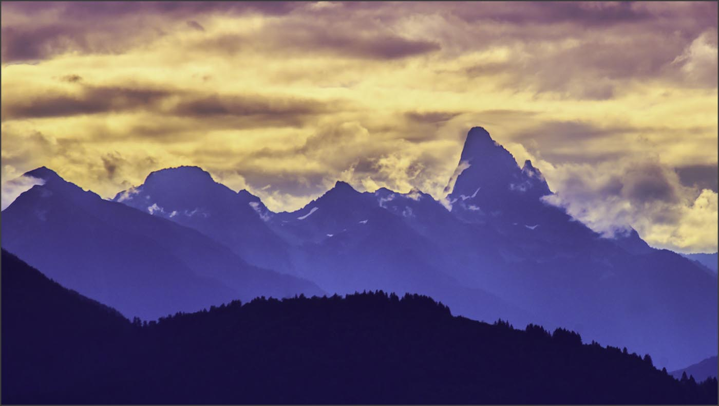 FIRE OVER THE CASCADES by Andy Smith.jpg