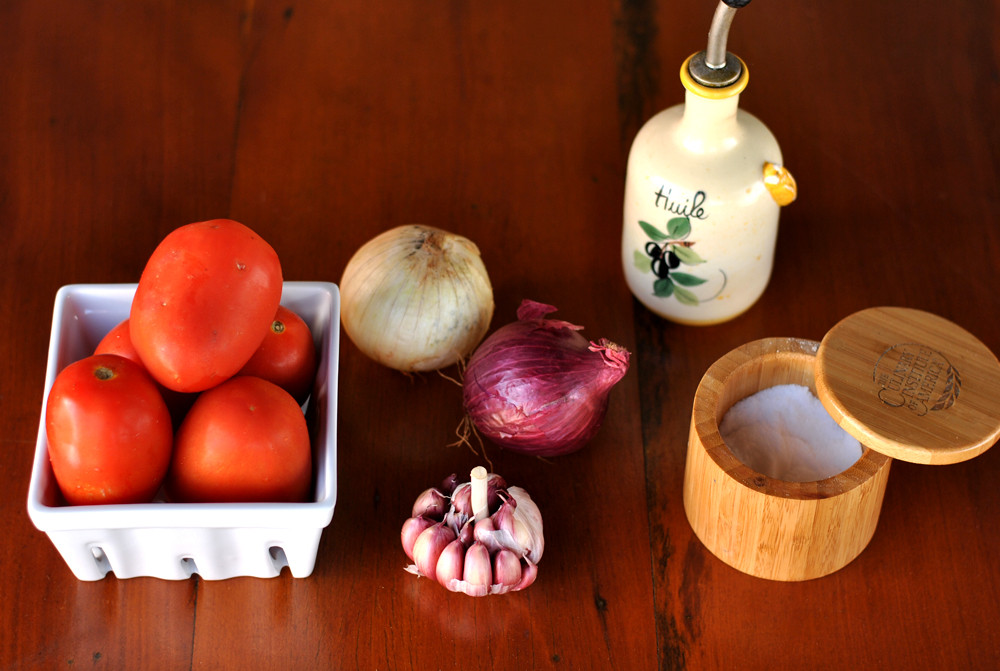 ingredientes molho de tomate caseiro
