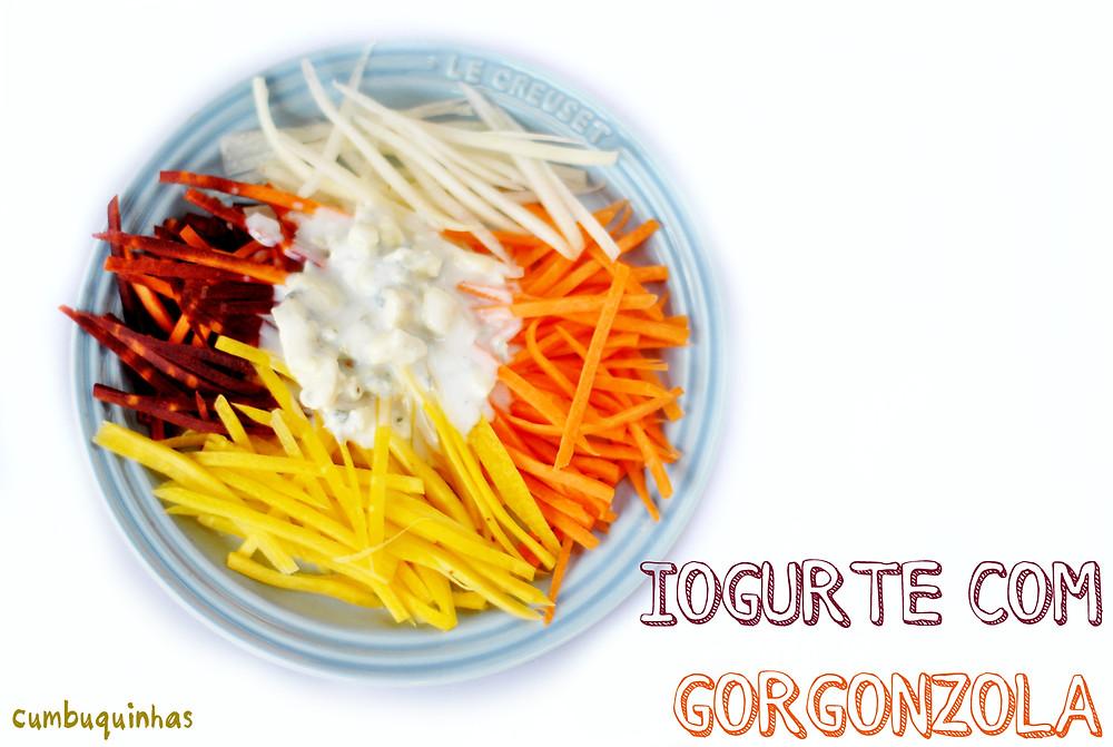 molho iogurte com gorgonzola