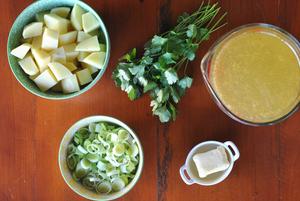 ingredientes para creme de batata com alho poró