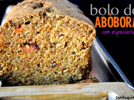 Para o Halloween, bolo de abóbora com especiarias!