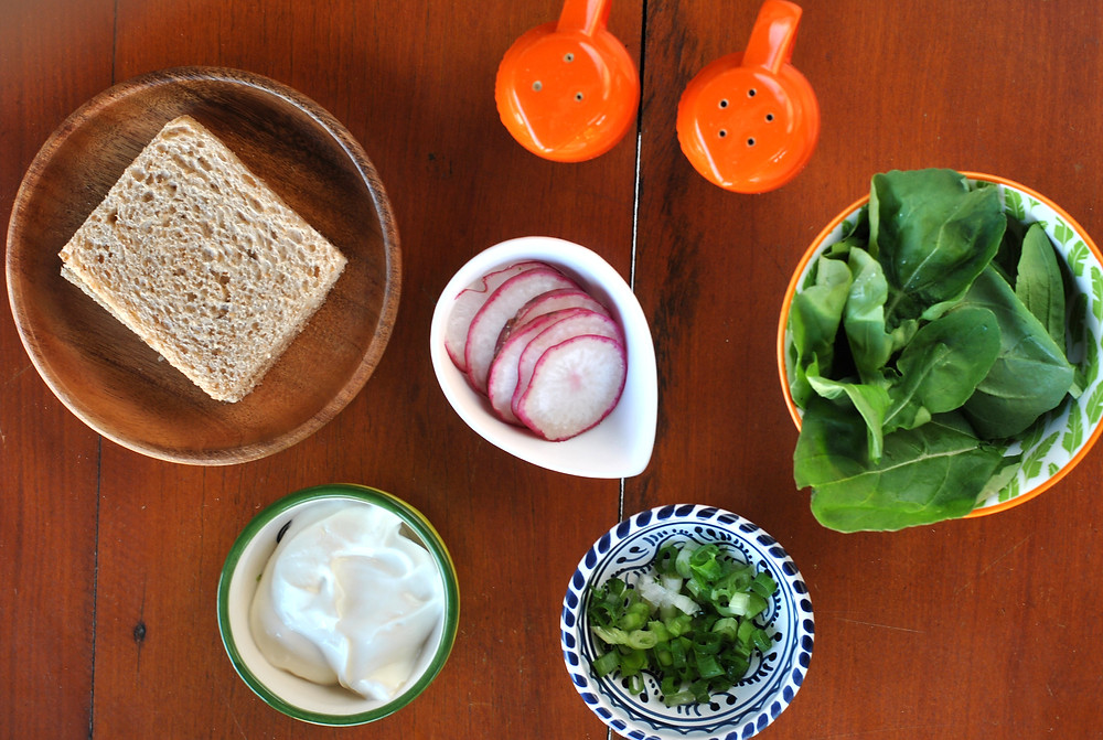 ingrediente sanduiche de ricota com rabanete