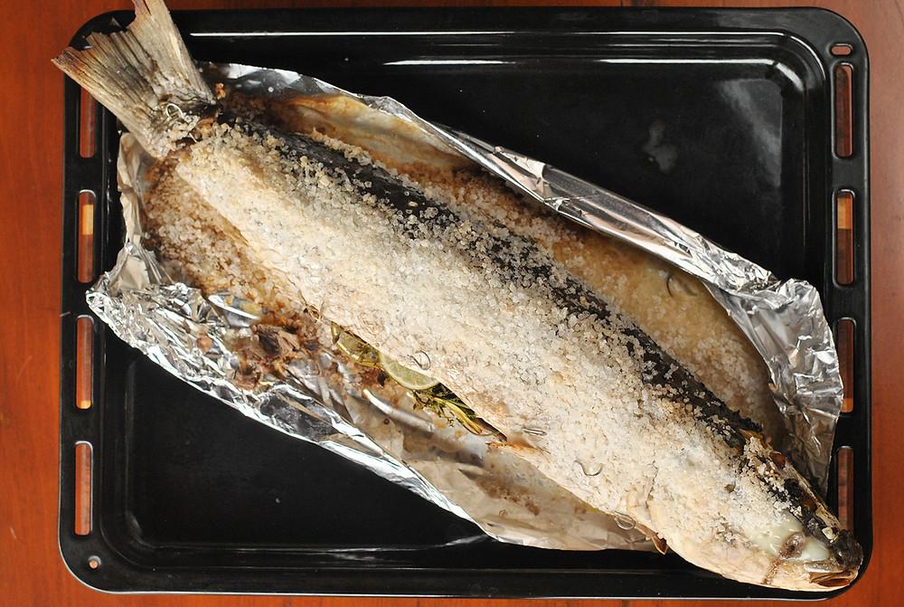 peixe assado no sal grosso jammiel oliver