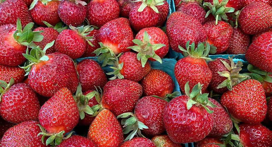 Strawberries_Local_2021_IMG_4129.jpg