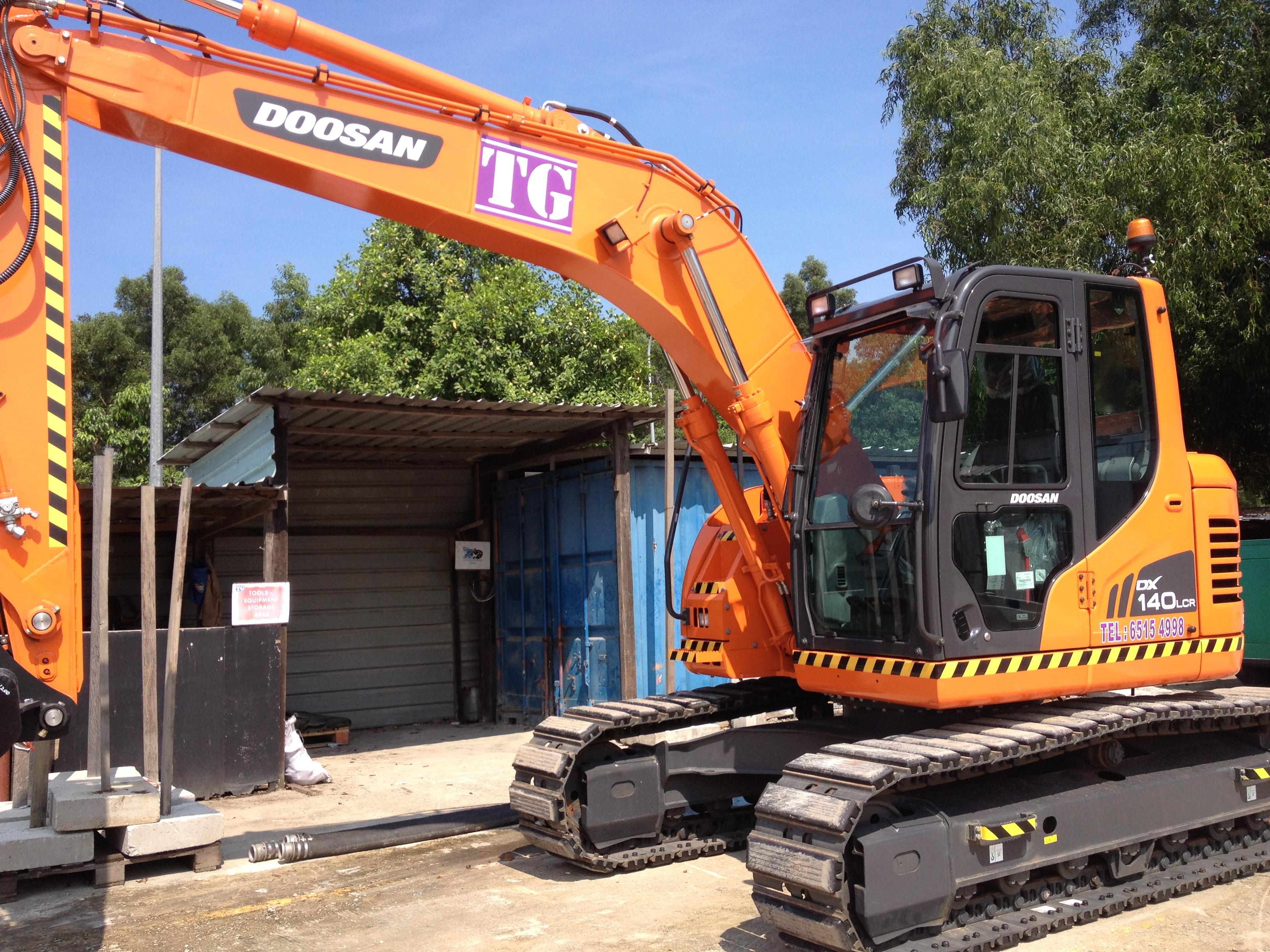 Medium Excavator