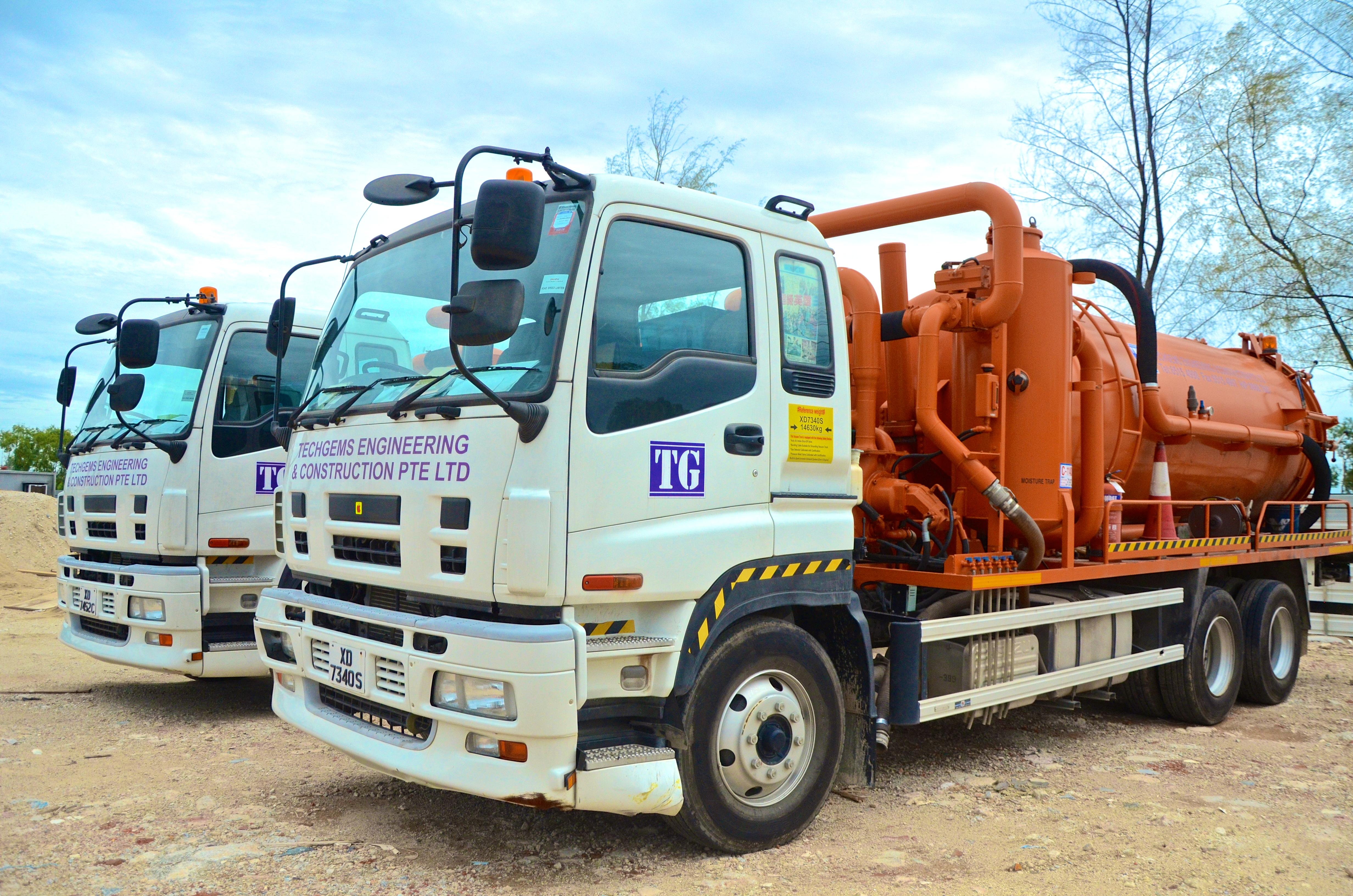 13m³ Vacuum Truck