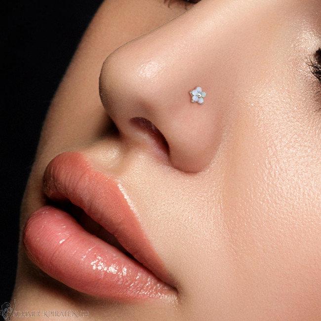 Nase Piercing