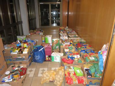 Merci à toutes et à tous, grâce à vous nous avons pu amener 46 cartons bananes à Penthalaz