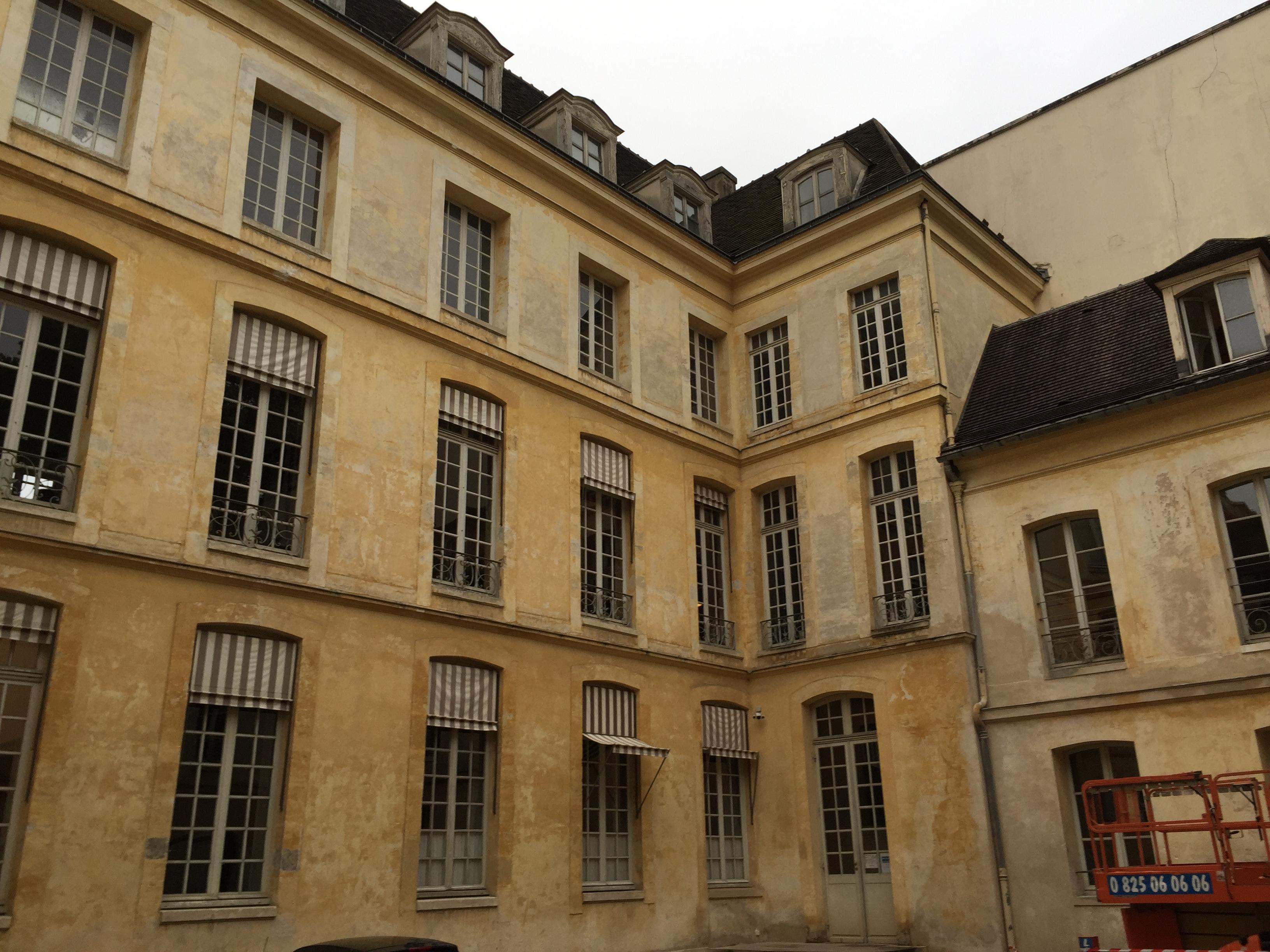 façade cour 1