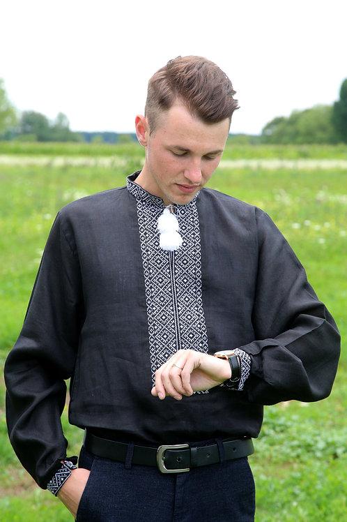 Вишиванка чоловіча білим по чорному льоні (Арт. 02120)