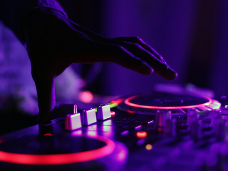 Top 5 Questions To Ask Your Wedding DJ
