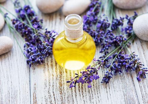 lavender-oil-lavender-flowers_87742-1144