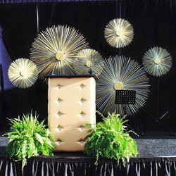 Starburst stageset, gold tufted podium