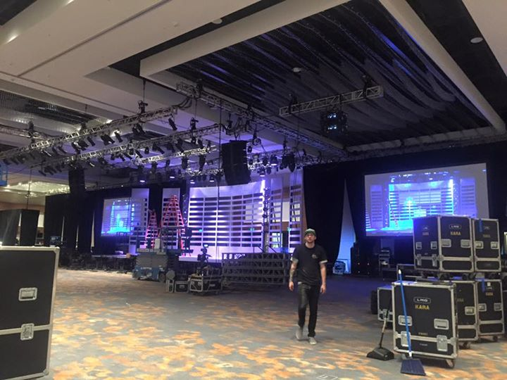 Custom stage set for general session