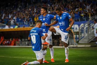 Cruzeiro 3x0 Alt.Mineiro: Depois da tempestade, a bonança