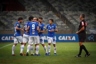 Cruzeiro 3x1 Paraná: Pra fazer valer o mando de campo