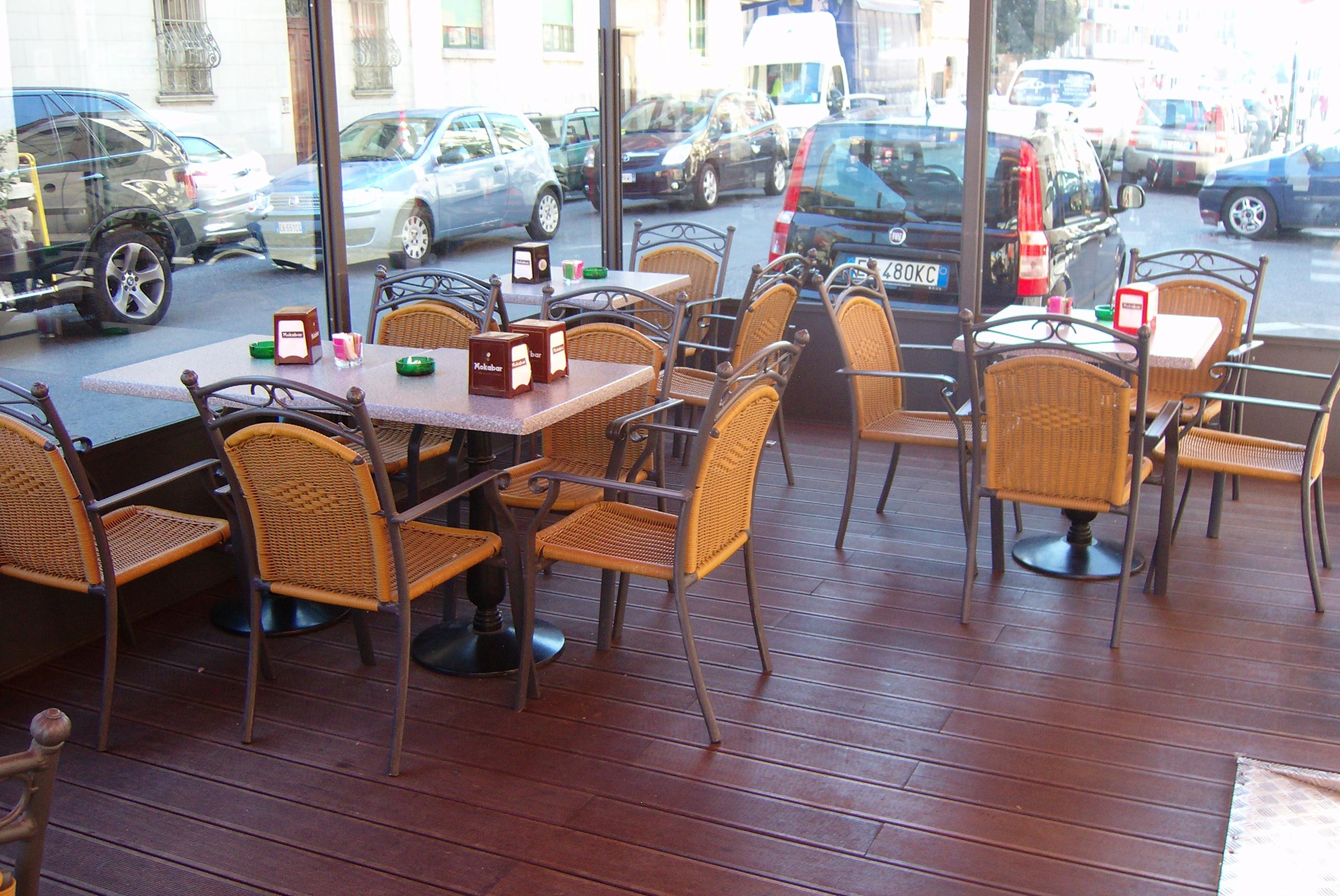 032 Merbau esterni - Dehors bar