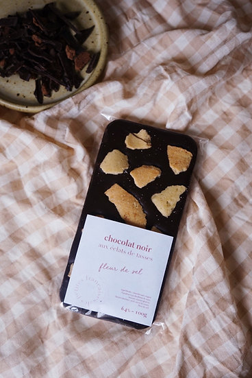Tablette de Chocolat noir aux Éclats de tasses Fleur de Sel