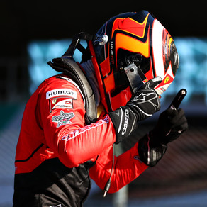 Ilott takes championship lead out of round one
