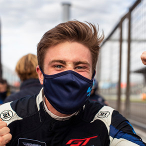 Andrew Watson wins at the Nürburgring
