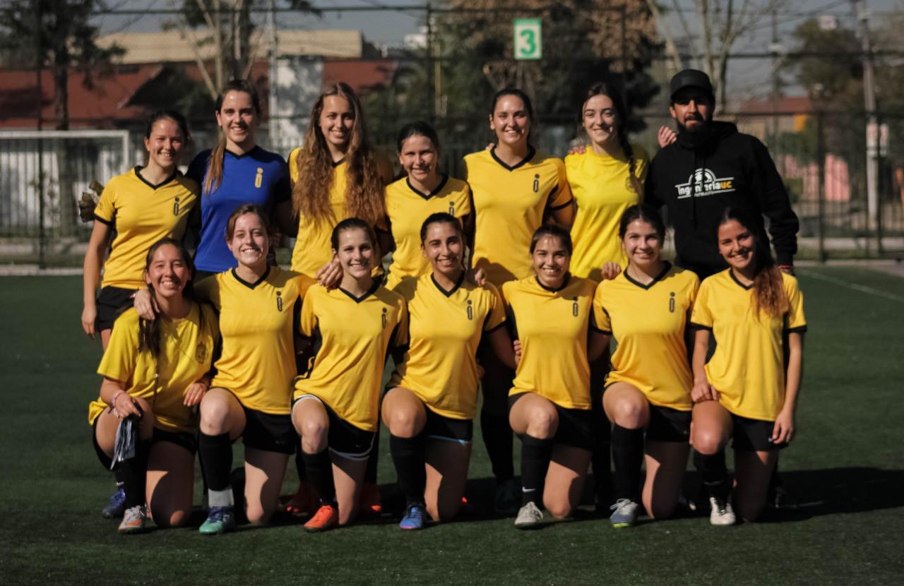 Futbolito mujeres.jpeg