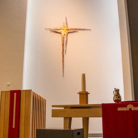 het kruis in het liturgisch centrum
