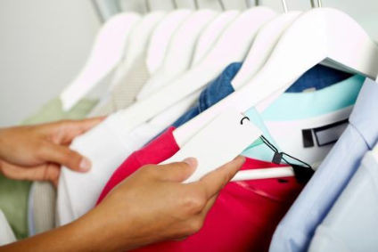 Clothing helps lift US retail sales in March