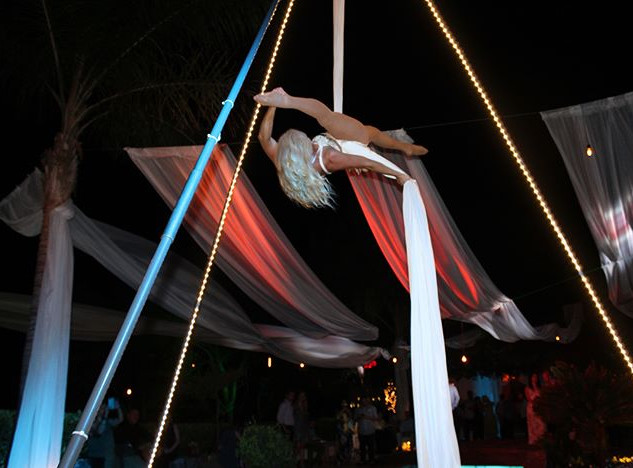 ✨🌴Cirque Mirage🌴✨ Aerial Silks for you