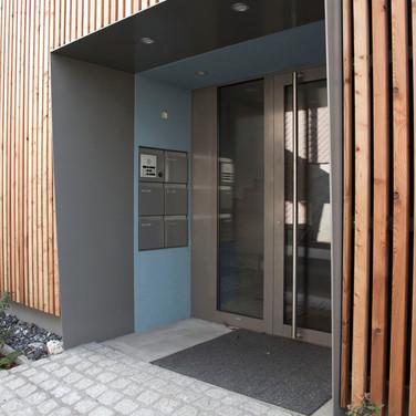 Eingang zu den Mietwohnungen