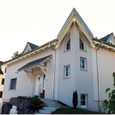 Winkeleinfamilienhaus in Mauren