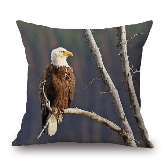 Eagle Cushion With Filler (DT)