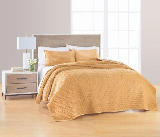 Valvet Gold Reversible Quilt Set