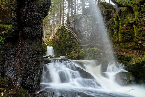Langzeitbelichtung am Wasserfall (Tageskurs)