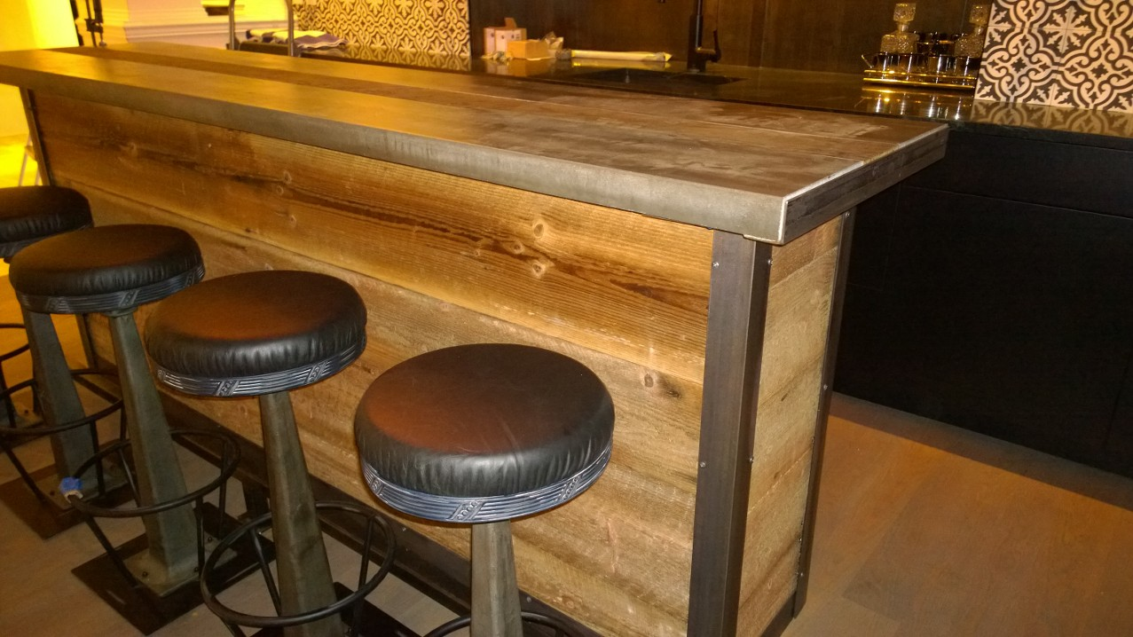 Restaurant Bar Top