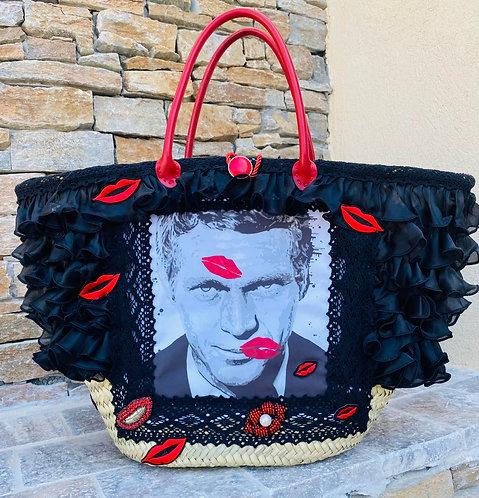 sac à main cabas décoré Steve Mcqueen sur un pannier en osier fait main