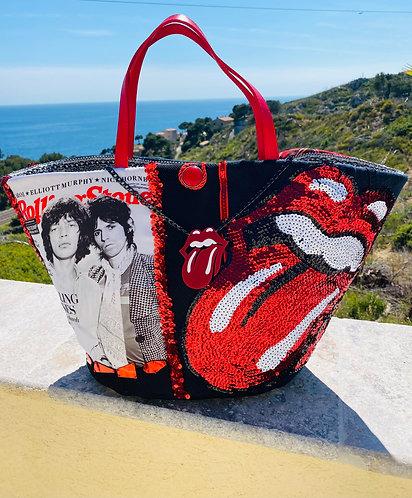Cabas pour femme personnalisé Rolling Stones l'œuvre, customisé sur un cabas en osier sur le thème Rolling-Stones