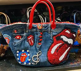 Sac cabas Rolling Stones qui reprend sur un fond de jean les symboles du groupe de rock
