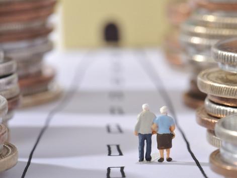 Правомірність припинення виплати пенсії (у тому числі військовому пенсіонеру) при виїзді за кордон