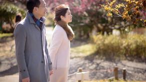 梅の咲き始めた昭和記念公園で、エンゲージメントフォト