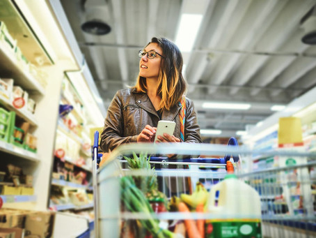 HOW ARE UK SUPERMARKETS TACKLING PLASTIC POLLUTION AND FOOD WASTE?
