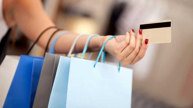 shopping-bags-credit-card-woman-001-777p