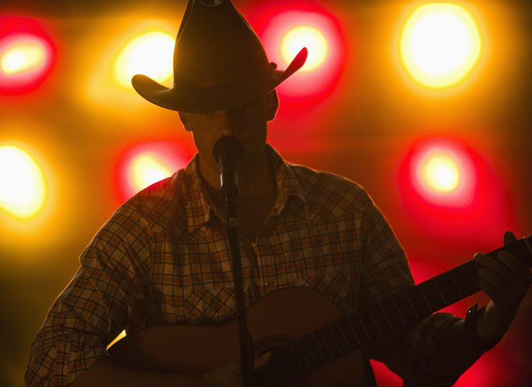 country-singer-97765278-59f0a203054ad900